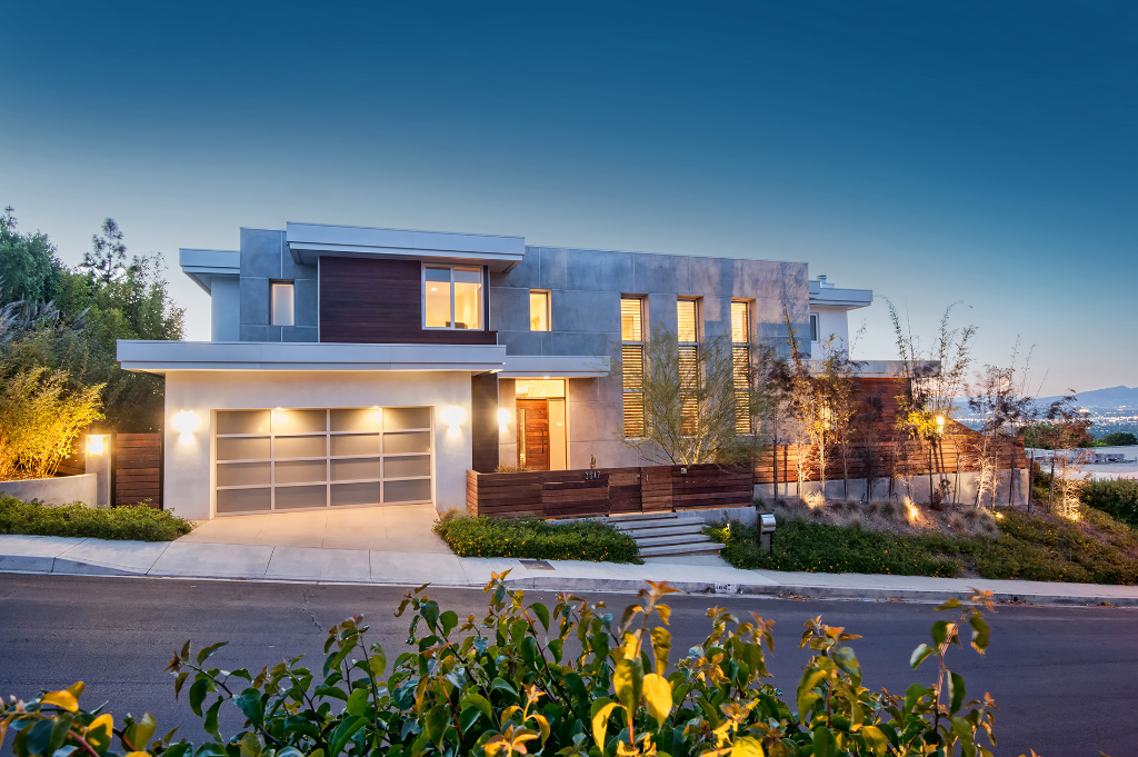 Warm Contemporary - Structure Home - Los Angeles Home Builder