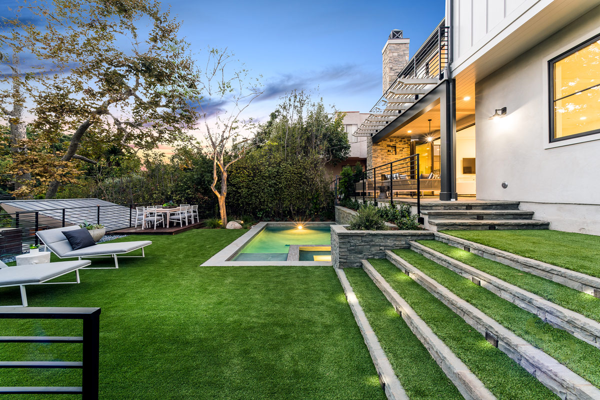 luxury home Custom Home Builders Los Angeles Contemporary Farmhouse Home Design Structure Home Los Angeles